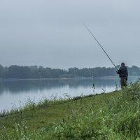 ранняя рыбалка :: Лариса Батурова