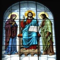 Витражное окно в Морском Никольском соборе Кронштадта :: Валерий Новиков