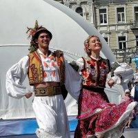 Гуцульский танец Фото№2 :: Владимир Бровко