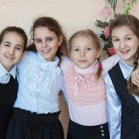 Школьные подружки :: Ева Олерских