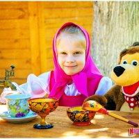 Даша и медведь :: Ирина