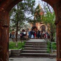 У храма :: Лев Багдасарян