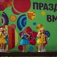 Маленькие артисты. :: Геннадий