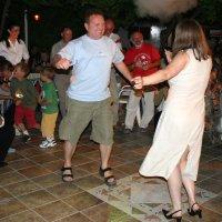 Кипрские танцы на зависть киприотам... :: Одиноков Юрий
