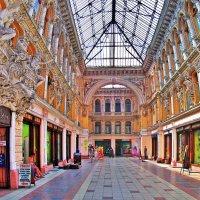«Пассаж» — гостиница и крытые торговые ряды :: Александр Корчемный