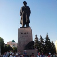 Памятник Ленину в г.Йошкар-Ола :: Павел Михалев