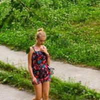 Девушка в цветном. :: Eugen Pracht