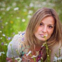 в ромашковом поле... :: Kate Vasileva