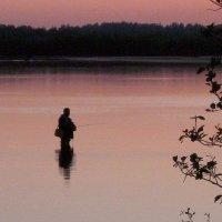Одинокий рыбак. :: Михаил Попов