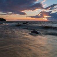 На берегу залива :: Юрий