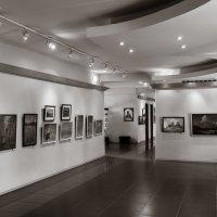 На выставке :: Валерий Логвинов