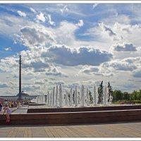 Облачная феерия на Поклонной горе :: Рамиль Хамзин