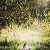 Дівчина з планшетом :: Олександр Масний