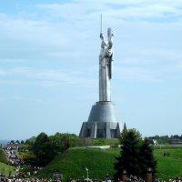 Киев.Родина Мать.Один из самых больших памятников в мире! :: Iwan Medoff