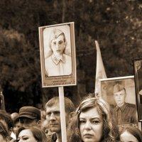 Портрет с портретом :: Владимир Дядьков