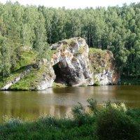Скала «Каменные ворота» на реке Исеть :: Олег Дейнега