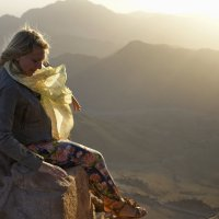 """""""...что может быть красивее, чем сидеть на облаке - и, свесив ножки вниз..."""" :: Людмила Шустова"""