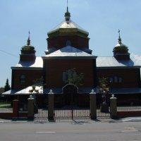 Деревянная  церковь  в  Криховцах :: Андрей  Васильевич Коляскин