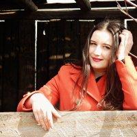 Заброшенное задние , портрет Алины :: Алина Пец