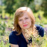 *** :: Lika Shakhmatova