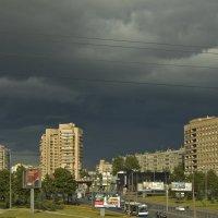 Тучи над городом встали :: Александр Петров