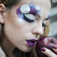 Ева и её яблоко) :: Кристина Волкова(Загальцева)