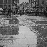 Старый город в дожде :: Игорь Вишняков