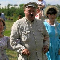 с дочками на прогулке :: Олег Лукьянов