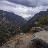 Вверх по ущелью Кингз Каньон. :: Slava Sh