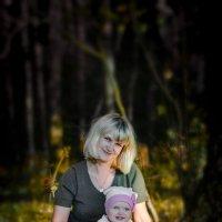 в лесу :: Елена Ушакова