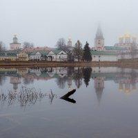 Валдайский Иверский монастырь туманным утром :: Игорь Маснык