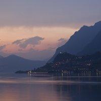 Закат на озере Изео. Италия :: Наталья Андреева
