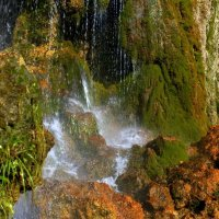 Водопад над пещерой.. :: ФотоЛюбка *