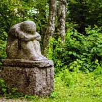 Печаль застывшая в камне :: Александр Артюхов