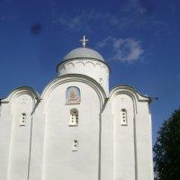 XII век. Церковь Успения :: Марина Домосилецкая