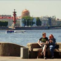 Сидим,ждём катерок. :: Владимир Гилясев