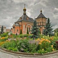 Храм в честь Преображения Господня в Оптиной. :: Виктор Евстратов