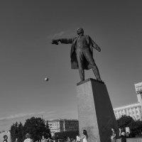 Ленин на подаче :: Александр Максимов