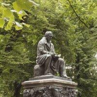 Памятник баснописцу И А Крылову :: Aнна Зарубина
