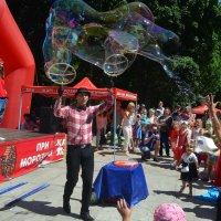 Мыльные пузыри :: Ростислав