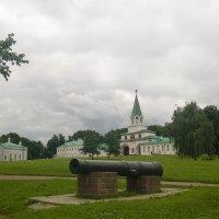...и в  тишине  отзвуки канонады  Полтавской баталии слышны... :: Николай Дони