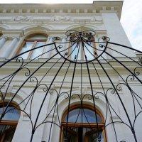 Фасад Белого дворца :: Сергей Беляев