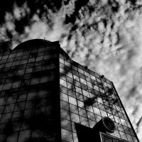 Небо над городком :: Paul B.