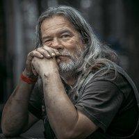 Байкер из далека. :: Андрей Стародубов