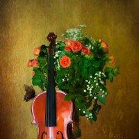 Натюрморт с цветами и скрипкой :: Арина Зотова