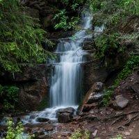 Водопад в Григорьевском ущельи :: Виктор