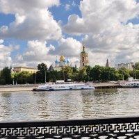 Вид на Крутицкий монастырь.Москва :: Борис Александрович Яковлев