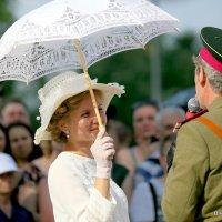взгляд барышни, или из под шляпки и под зонтиком :: Олег Лукьянов