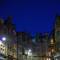Улица,ведущая к крепости(ночная улица Эдинбурга) :: Free