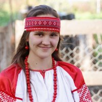 Девушка в национальном наряде на Ивана Купалу :: Наталия Григорьева